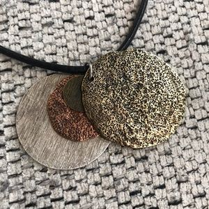 CHICO'S Four Mixed Tone Pendant Necklace